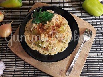 Куриное филе с болгарскими перцами в соусе с фетой - шаг 11