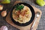 Куриное филе с болгарскими перцами в соусе с фетой