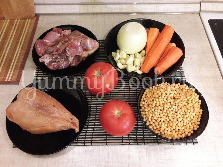 Гороховый суп с двумя видами мяса и помидорами - шаг 1