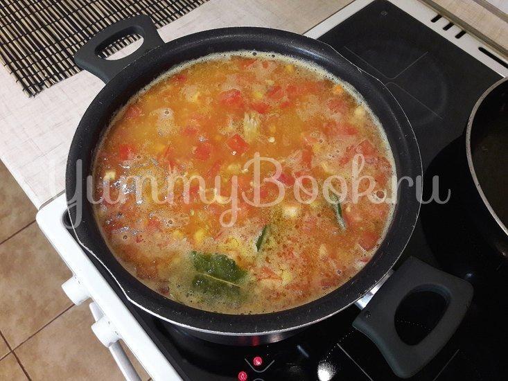 Гороховый суп с двумя видами мяса и помидорами - шаг 10