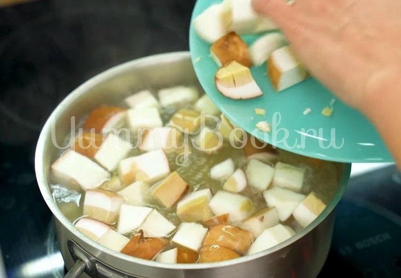 Ароматный суп из белых грибов - шаг 2