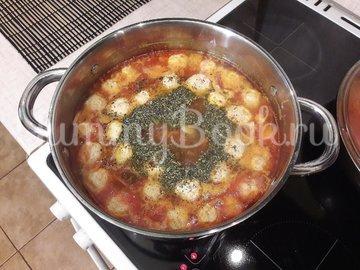 """""""Тройной"""" томатный суп с куриными фрикадельками - шаг 11"""