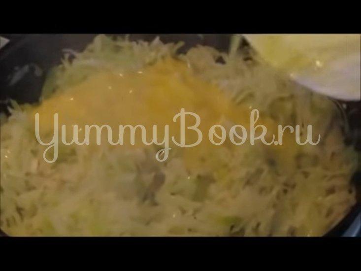 Запечённая капуста «Нежная» с яйцами и сыром - шаг 5