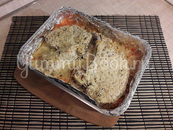 Корейка в сметанном маринаде с горчицей и чесноком - шаг 4