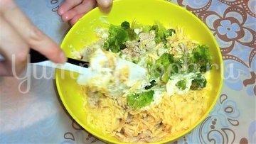 Открытый пирог с брокколи, курицей и сыром - шаг 3