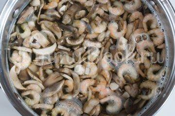 Китайский суп с грибами и креветками - шаг 2
