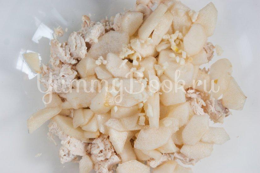 Салат с куриным филе и грушами - шаг 2