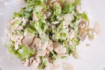 Салат с куриным филе и грушами - шаг 4