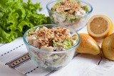Салат с куриным филе и грушами