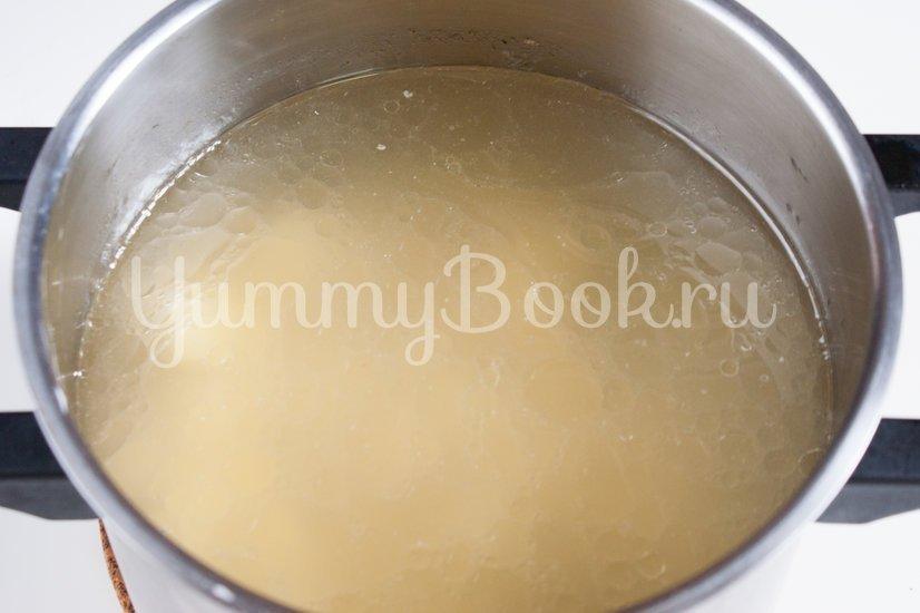 Сырный суп с вермишелью - шаг 1