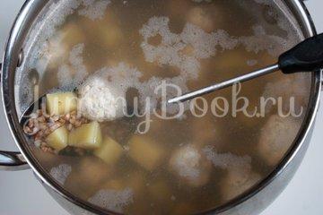 Гречневый суп с куриными фрикадельками - шаг 5