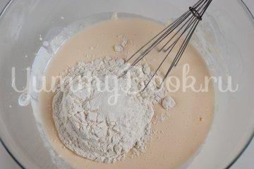 Наливной пирог с картофелем и грибами в мультиварке - шаг 2