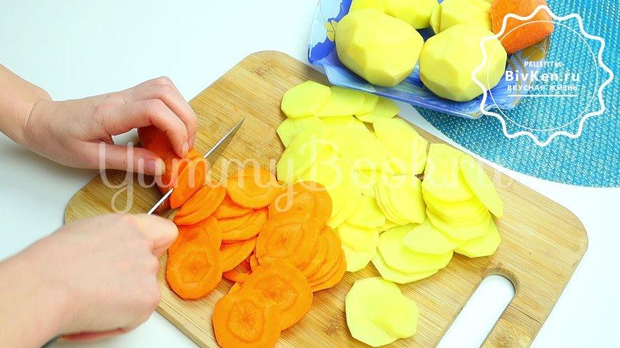Ароматная картошка в духовке - шаг 2