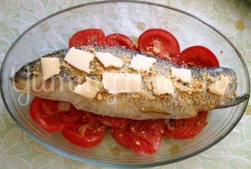 Белый амур, фаршированный сладким перцем в духовке - шаг 10