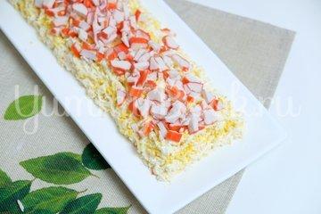 Крабовый салат «Новинка»  - шаг 5