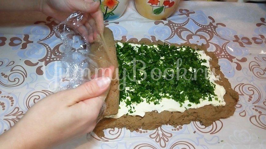 Рулет из печени со сливочным маслом и зеленью - шаг 2