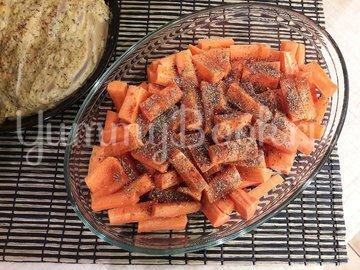 Запечённые куриные грудки с морковью - шаг 4