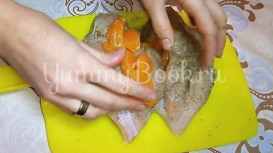 Куриная грудка с мандаринами - шаг 1