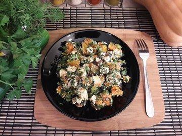 Праздничный салат с тыквой