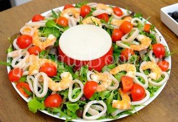 Салат с кальмарами, креветками и новым соусом - шаг 4