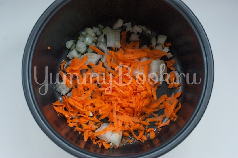 Суп с колбасой в мультиварке - шаг 1