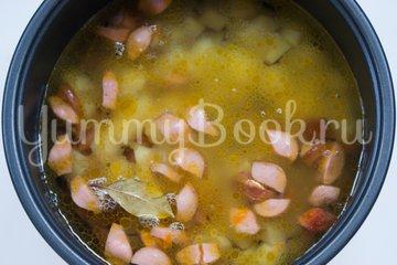 Суп с колбасой в мультиварке - шаг 5