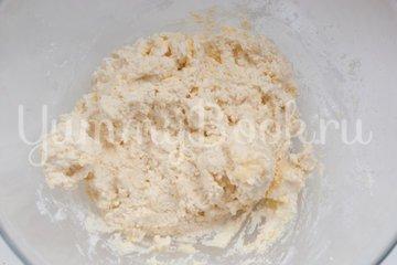 Сырники с кокосовой стружкой - шаг 3