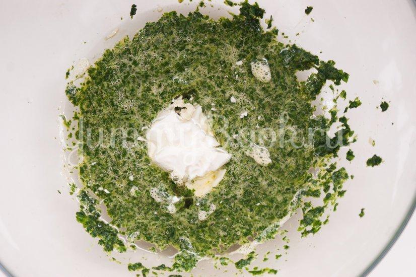 Канапе из шпинатного бисквита, творожного сыра и сёмги - шаг 3