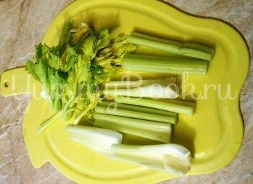 Куриные бёдра, запечённые с овощами в фольге - шаг 7