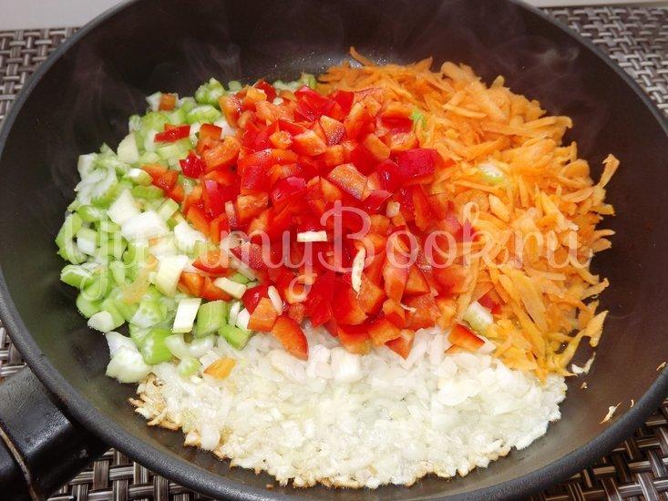 Пряный гороховый суп-похлебка с овощами и копчеными ребрышками - шаг 6