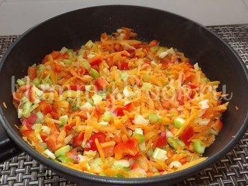 Пряный гороховый суп-похлебка с овощами и копчеными ребрышками - шаг 7