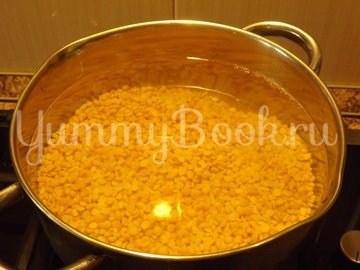 Пряный гороховый суп-похлебка с овощами и копчеными ребрышками - шаг 2