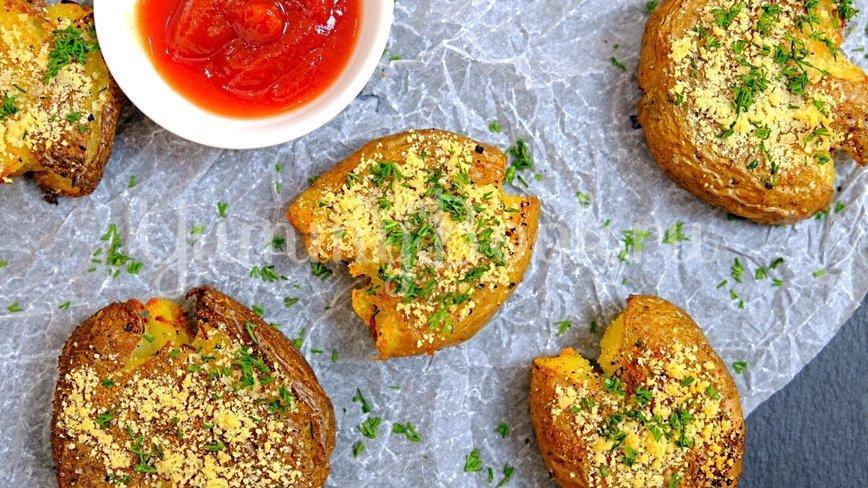 Хрустящая раздавленная картошка в духовке - шаг 6