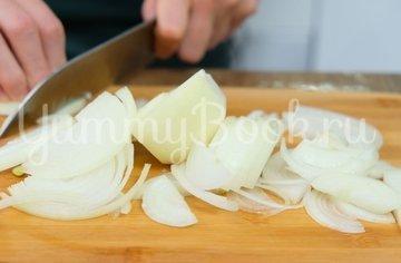 Минтай в сливочно-луковом соусе - шаг 2
