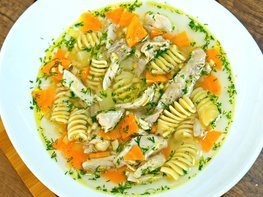 Куриный суп c макаронами