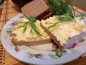 Закуска - намазка из сыра и яиц