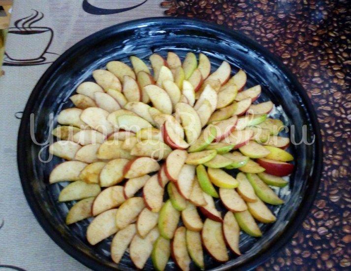 Пирог с яблоками - шаг 1
