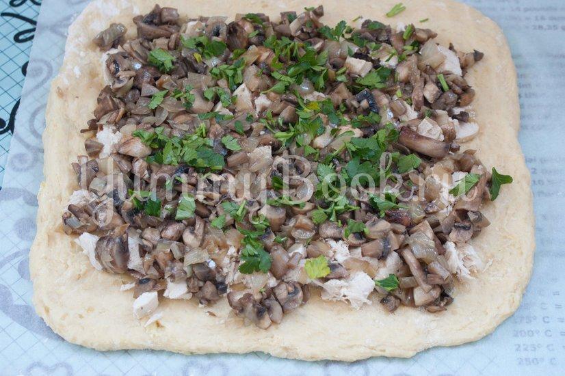 Картофельный рулет с курицей и грибами - шаг 5