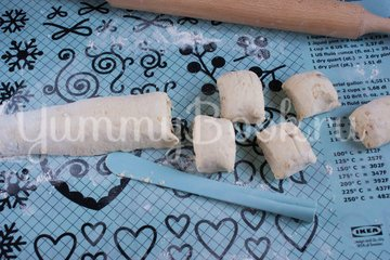 Дрожжевые картофельные булочки с луком - шаг 11