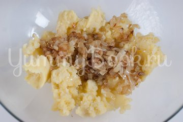 Дрожжевые картофельные булочки с луком - шаг 3
