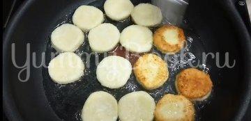 Творожники на сковороде - шаг 5