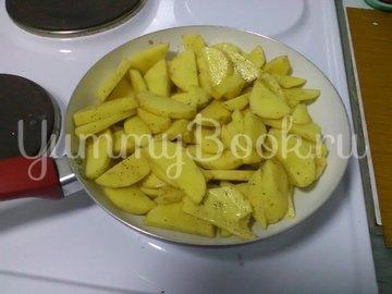 Картошка с грибами, тушенная в сметане - шаг 6