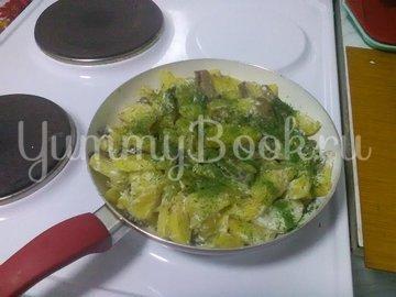 Картошка с грибами, тушенная в сметане - шаг 9
