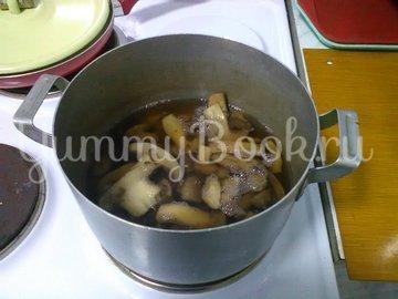 Картошка с грибами, тушенная в сметане - шаг 1