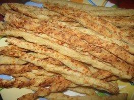 Сырные пикантные палочки