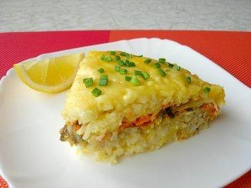 Рыбная запеканка с рисом и сыром