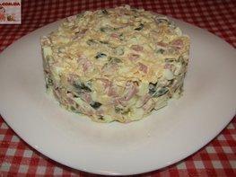 Салат с ветчиной и сыром «Домашний»