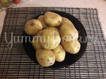 Запечённый фаршированный картофель с копчёной грудкой - шаг 1