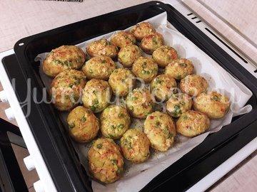 Запечённый фаршированный картофель с копчёной грудкой - шаг 11