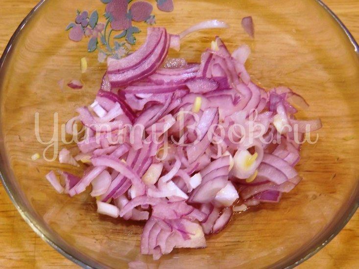 Винегрет с красной фасолью и маринованным луком - шаг 2